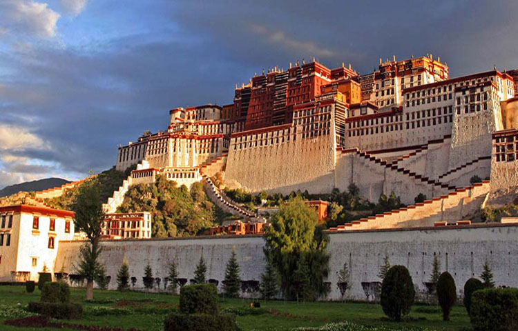 potala ,lhasa leaf holidays