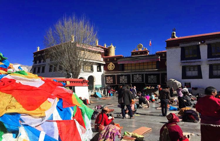 jokhang tibet,leaf holidays